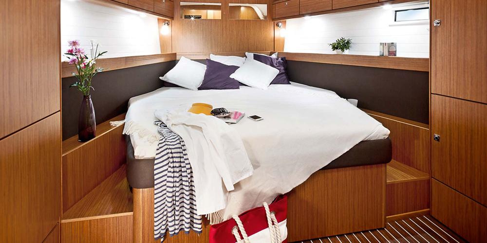 Dormitor-Inchiriere-Petreceri-Croaziere-Vacante-Yacht-Bavaria-Cruise46_10
