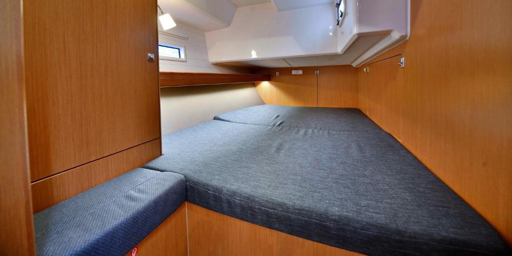 Dormitor-Inchiriere-Petreceri-Croaziere-Vacante-Yacht-Bavaria-Cruise46_3