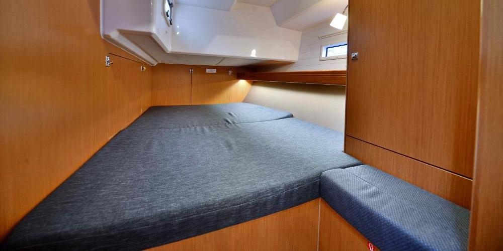 Dormitor-Inchiriere-Petreceri-Croaziere-Vacante-Yacht-Bavaria-Cruise46_3dr