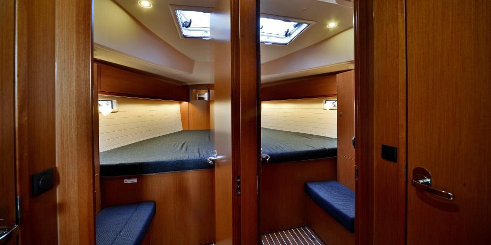 Dormitor-dublu-Inchiriere-Petreceri-Croaziere-Vacante-Yacht-Bavaria-Cruise46_2