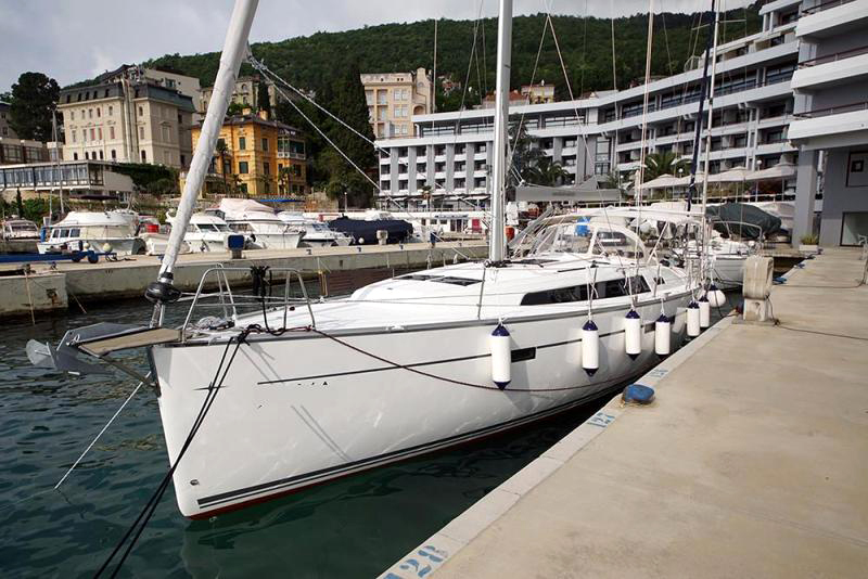 Portul-Turistic-Mangalia-Inchiriere-Petreceri-Croaziere-Vacante-Yacht-Bavaria-Cruise46-2