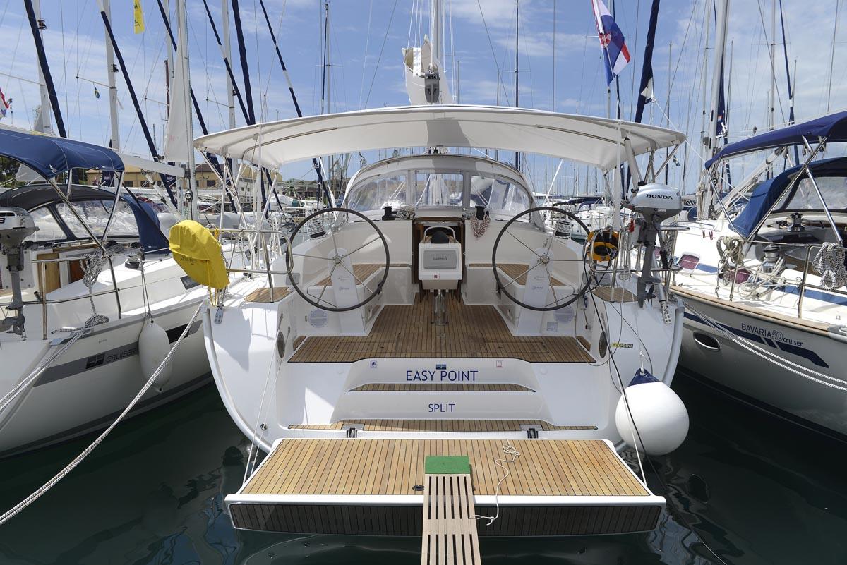 Portul-Turistic-Mangalia-Inchiriere-Petreceri-Croaziere-Vacante-Yacht-Bavaria-Cruise46