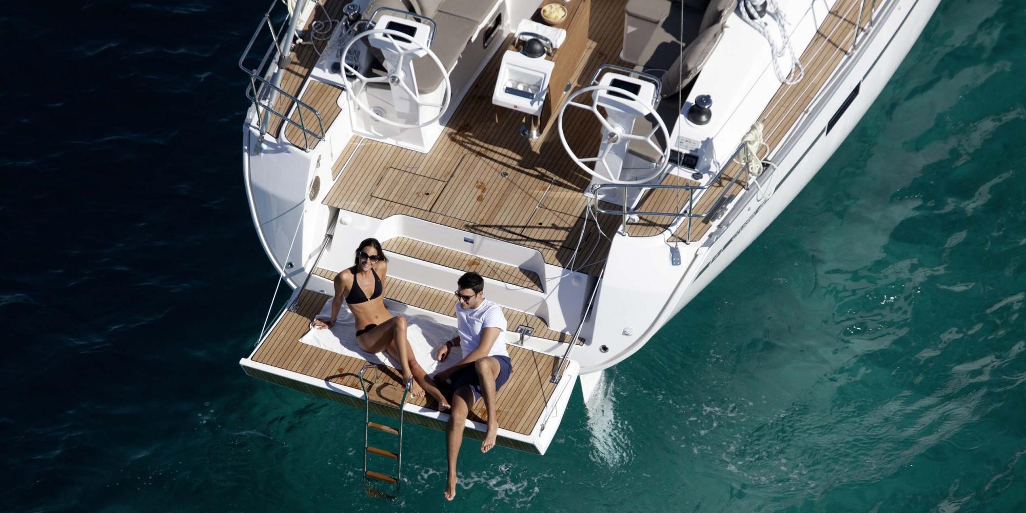 Puntea-Terasa-Inchiriere-Petreceri-Croaziere-Vacante-Yacht-Bavaria-Cruise46_1