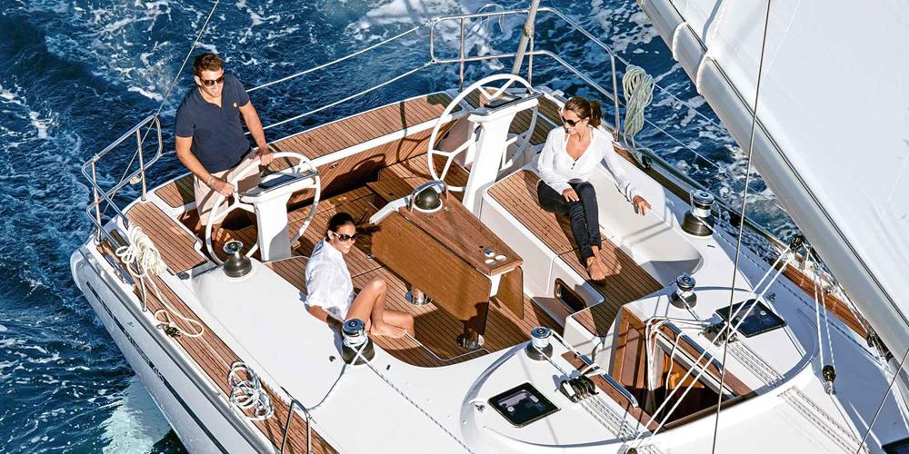 Puntea-Terasa-Inchiriere-Petreceri-Croaziere-Vacante-Yacht-Bavaria-Cruise46_3